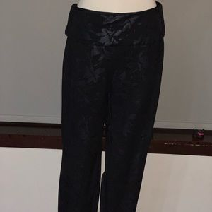 Soft Surrounding ladies cropped pants